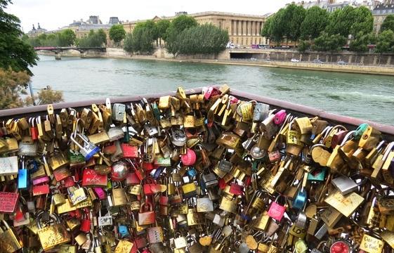 St-Valentin - Pont des amoureux à Paris